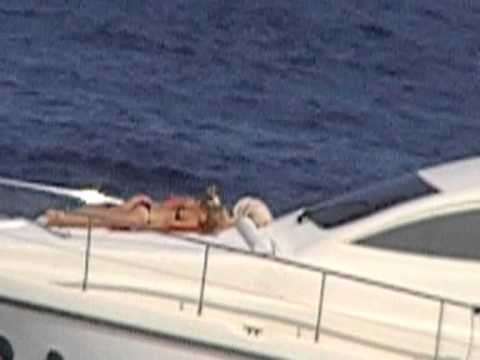 Hot Summer Holidays on the Sea 1.Sexy Bikini Models Sunbathing