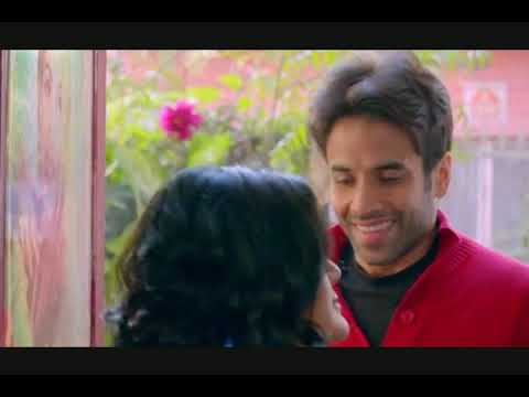 Tusshar Kapoor propose a beautiful girl in a different way ( Bajatey Raho movie 2013) most romantic