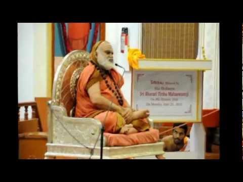 Sringeri Jagadguru visits Tattvaloka