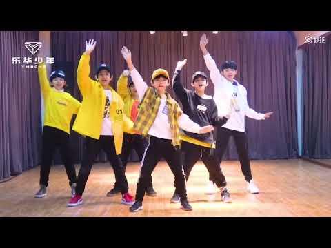 มาส่องหนุ่มน้อย YHBOYS เต้น cover เพลง Ei Ei