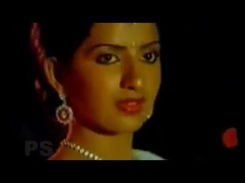 Video Atho Vanile Nila Oorvalam-அதோ, வானிலே,நிலா,ஊர்வலம்-Vijayakanth,Ambika,Love Duet H D Song download in MP3, 3GP, MP4, WEBM, AVI, FLV January 2017