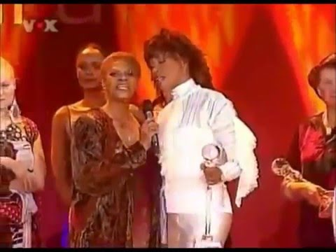 Whitney Houston & Dionne Warwick - That's what friends are for - WWA 2004 - rare video