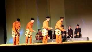 Zapin Meskom Bengkalis Riau (Riau World Dance Day 2013) Video