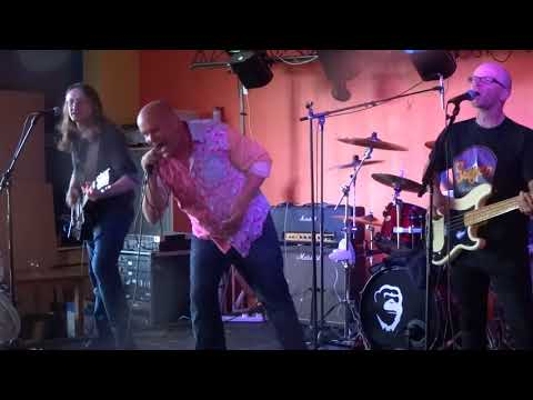 Four Finger Salute - Pretty Vacant (Moon On The Water, Cleethorpes - 7th July 2018)
