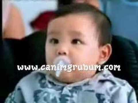 當小寶寶遇上泰國人妖,他的反應是…