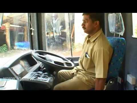 low floor - In this video you can see a low-floor bus in Trivandrum, the capital city of Kerala, India. For more informations click - http://www.indiavideo.org/kerala/tr...