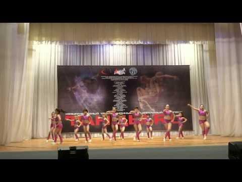 ALEKSA DANCE KIDS / Keke Palmer - Footworkin'