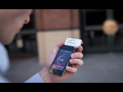 Разработан мобильный телефон с алкотестером