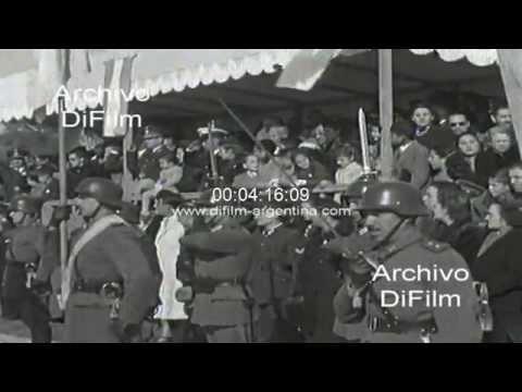 DiFilm - Edelmiro Julian Farrell asiste a un acto militar 1944