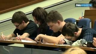 Дмитрий Быков читает текст «Тотального диктанта»
