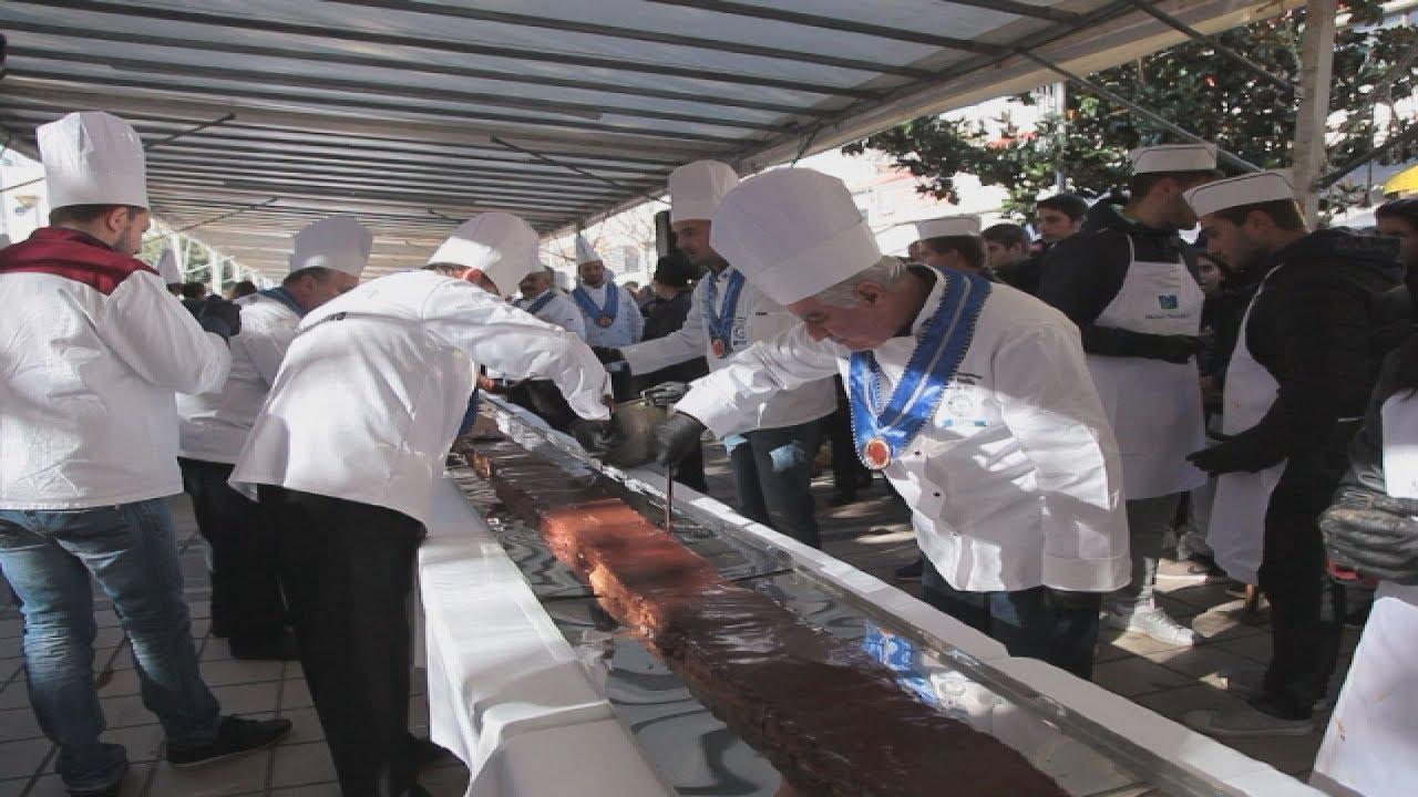 Νουγκατίνα σοκολάτας 100 μέτρων έσπασε ρεκόρ Guinness στην Καρδίτα