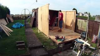 How to build a shed in 2½ minutes - A Time Lapse