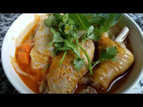 Lẩu Đầu Cá Hồi - Cách nấu Lẩu Bún Cá - Món ăn ngon, bổ dưỡng, nấu nhanh, ăn cũng lẹ by Vanh Khuyen - Thời lượng: 13 phút.