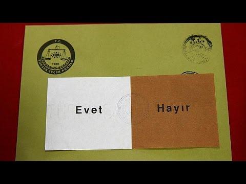 Ψηφίζουν οι Τούρκοι που ζουν στο εξωτερικό για το δημοψήφισμα