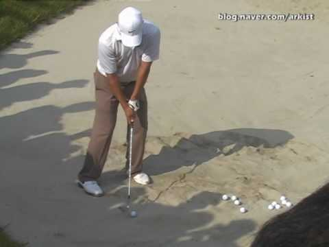 Anthony Kim slow motion Bunker and chip Shot Golf Swing from Practice Green (3) (видео)