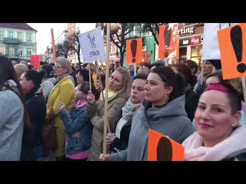 Wideo1: Wiec poparcia dla nauczycieli w Lesznie