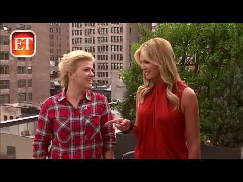 Kelly Clarkson Addresses Controversial VMA Tweet ET