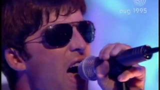 Video Oasis - Roll With It (Live on Top Of The Pops 17th August 1995) MP3, 3GP, MP4, WEBM, AVI, FLV Januari 2019