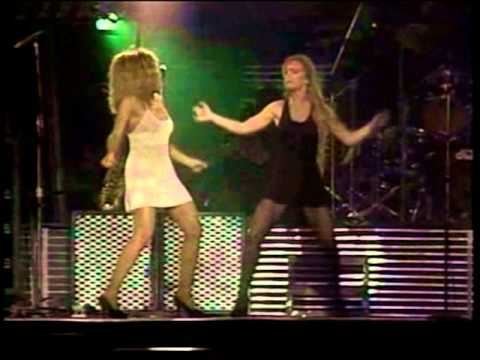 PROUD MARY (Tina Turner - Barcelona 1990)
