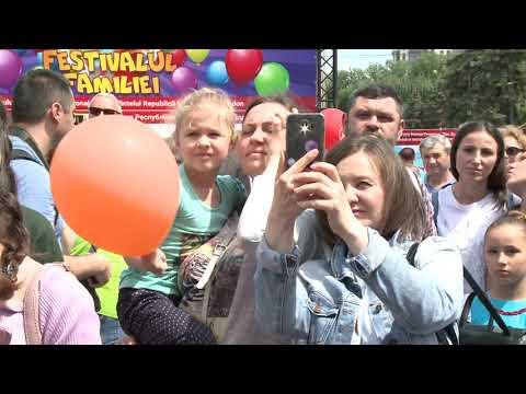 Igor Dodon împreună cu familia a participat la Festivalul Familiei