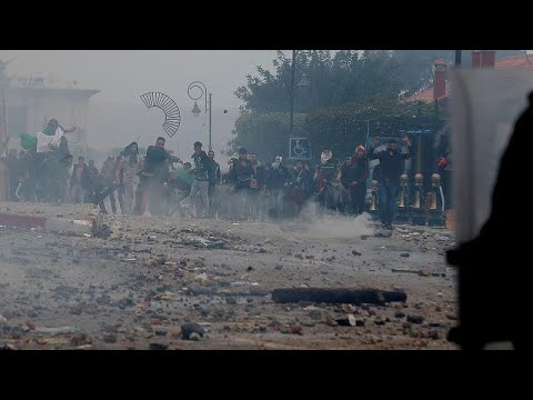 Algerien: Zusammenstöße zwischen Anti-Bouteflika-Demo ...