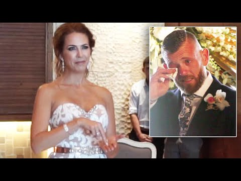 Video Deaf Man Bursts Into Tears When Bride-To-Be Signs Wedding Song download in MP3, 3GP, MP4, WEBM, AVI, FLV January 2017
