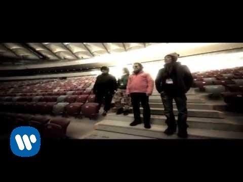 Tekst piosenki T.Love - Stadion po polsku