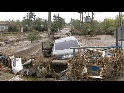 Ρουμανία: Πλημμύρες «βυθίζουν» στη λάσπη σπίτια και αυτοκίνητα