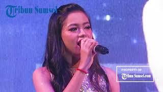 "Video Rara ""LIDA"" Menghibur Warga Palembang pada Super Grandprize Bank Sumsel Babel MP3, 3GP, MP4, WEBM, AVI, FLV Juli 2018"