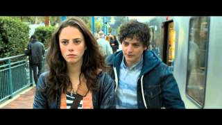 Nonton Emanuel and the Truth About Fishes Trailer - Kaya Scodelario, Jessica Biel, Frances O'Connor (2013) Film Subtitle Indonesia Streaming Movie Download