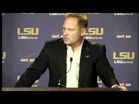 LSU Coach Les Miles Talks About Erin Andrews