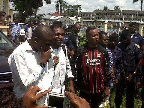 TÉLÉ 24 LIVE: Pasteur Denis Lessie, Chef d'escroquerie en bande organisée, arrêté à Kinshasa. Il est à la tête d'un groupe de présumés escrocs.