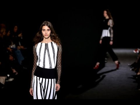 Roland Mouret | Fall Winter 2016/2017 Full Fashion Show | Exclusive (видео)