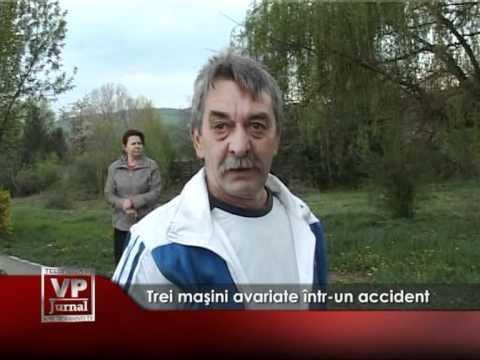 Trei maşini avariate într-un accident