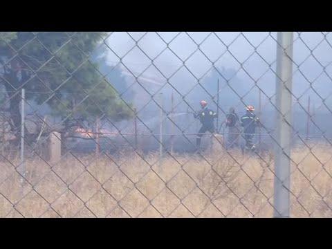 Εντολή του 112 για εκκένωση σε δύο οικισμούς του δήμου Σαρωνικού. Ενισχύονται οι δυνάμεις πυρόσβεσης