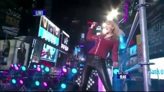 Taylor Swift - I Knew You Were Trouble - Live in Times Square 2013