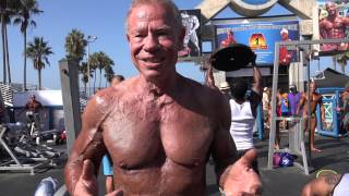 82 Year Old Bodybuilder Jim Arrington at Muscle Beach Labor Day 2014