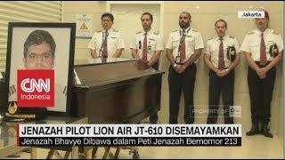 Video Jenazah Pilot Lion Air JT 610 Disemayamkan MP3, 3GP, MP4, WEBM, AVI, FLV Maret 2019