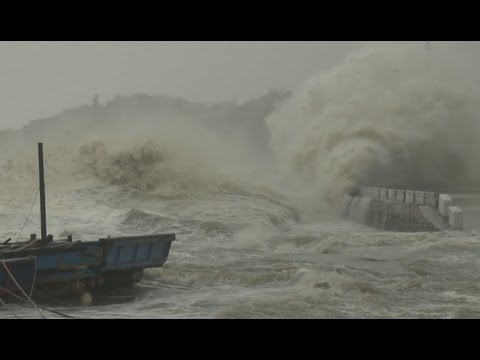 Dangerous Storm Surge, Huge Waves Super Typhoon Usagi Stock Footage Screener - HD 1920x1080 30p