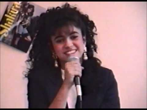 Shakira cantando a los 13 años