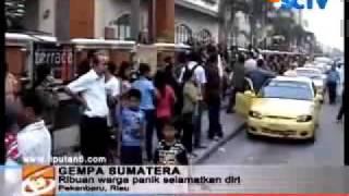 GEMPA BUMI DI PADANG - MESTI LIHAT!!