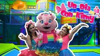 Un Dia Con La Gatita  - Parque de Diversiones / Kids Play