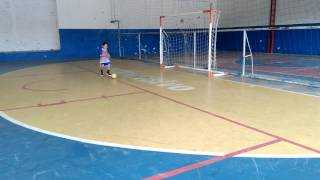 Kauã Henrique treino condução de bola.