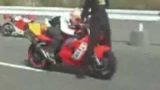 salto a una moto fallido