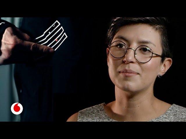 Linda Franco te presenta la ropa conectada: una chaqueta para hacer música o controlar un dron