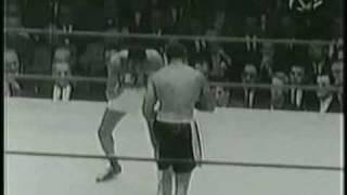 Floyd Patterson Vs Archie Moore WINS TITLE 1956