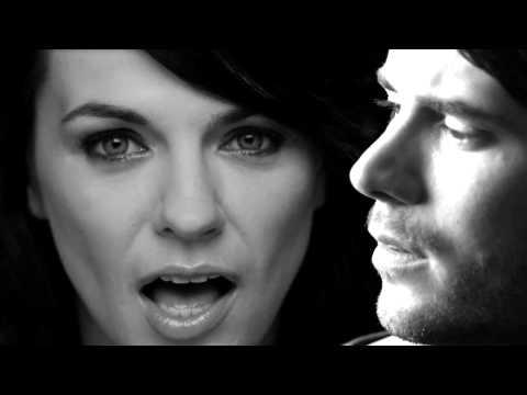 Revolverheld feat. Marta Jandová – Halt Dich an mir fest