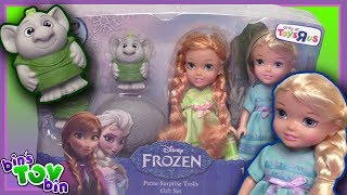 """Today we open up a Toys R Us Exclusive Disney Frozen set of dolls which includes Anna and Elsa as toddlers and some two trolls! We have had this for awhile and are just opening it up now! LOL!SUBSCRIBE and never miss a video! http://www.youtube.com/subscription_center?add_user=BinsToyBinAbout Bin's Toy Bin →Adventures in toy collecting! Join husband and  wife team, Bin and Jon (and their son Teagan, too) as they review the latest (and sometimes not-so-latest) toys in their own unique way! Check back daily for new videos!  Also be sure to visit our 2nd YouTube channel for our Family Vlogs!GET YOUR OFFICIAL BIN'S TOY BIN GEAR! →  http://binstoybin.spreadshirt.com/Follow Bin & Jon → Bin's Toy Bin Family Vlogs (Our 2nd YouTube Channel): http://www.youtube.com/BinsToyBinTravelOfficial Site: http://binstoybin.com/IG: @binstoybinFB: https://www.facebook.com/BinsToyBinSnapchat: real_binstoybinTwitter: @BinsToyBinG+: https://plus.google.com/+BinsToyBinMUSIC USED:""""Beach Front Property"""" by Silent Partner from YouTube Audio Library"""