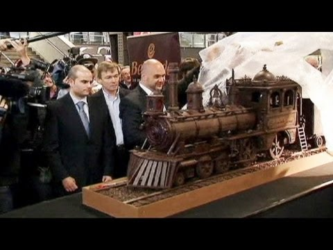 World's longest chocolate train unveiled in Brussels - no comment