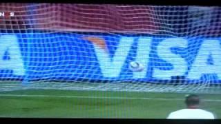 Samuel Eto'o trifft bei WM 2010 gegen Dänemark